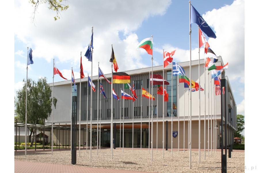 Maszty flagowe na terenie Kompleksu NATO – Bydgoszcz, Polska