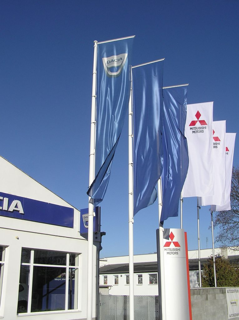 Flagi reklamowe Dealer Dacia i Mitsubishi Motors – Czechy