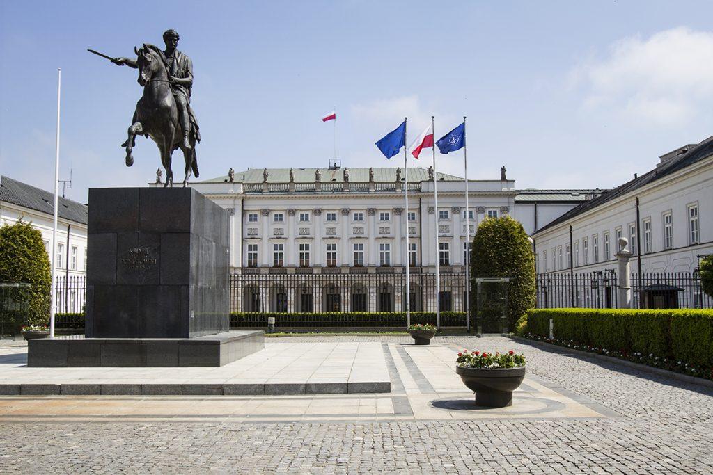 Maszty flagowe Pałac Prezydencki – Warszawa, Polska