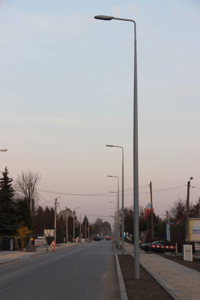 Słupy oświetleniowe kompozytowe, oświetlenie ulicy - Łódź, Polska